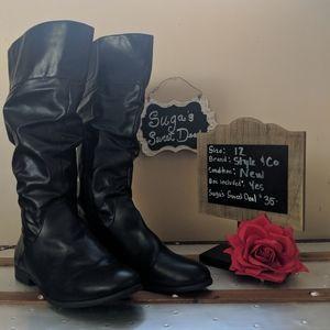 Black boots sz12
